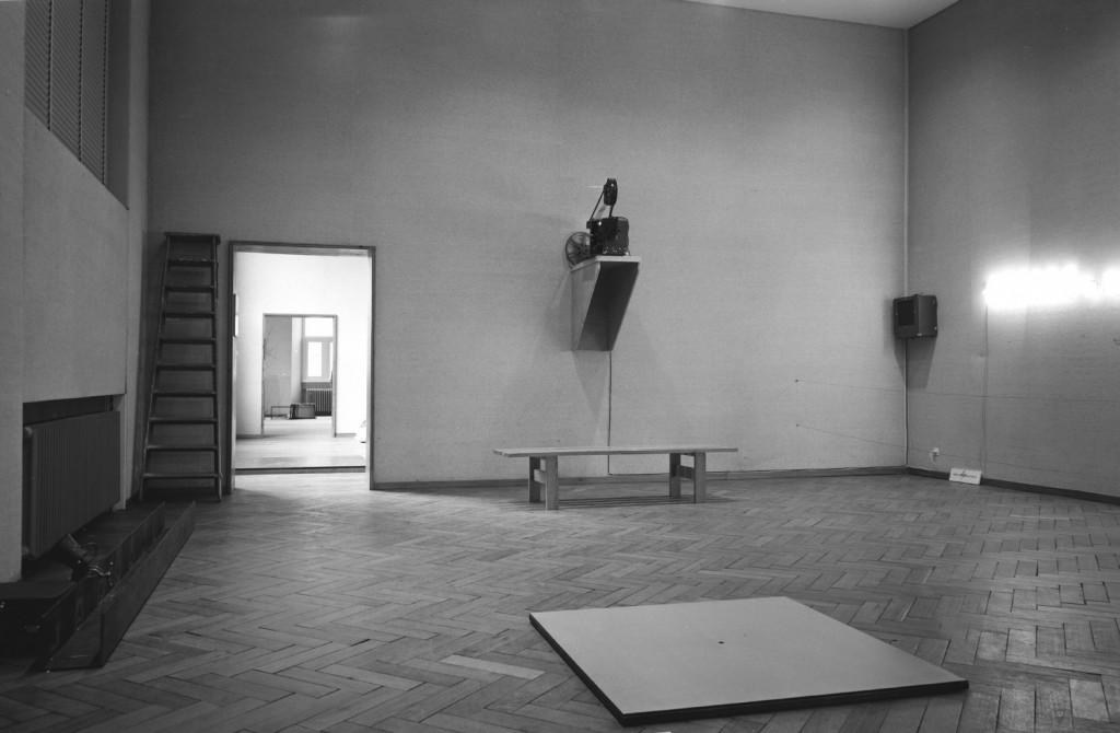 Overview Bruce Nauman room during 'Op Losse Schroeven', Stedelijk Museum 1969.