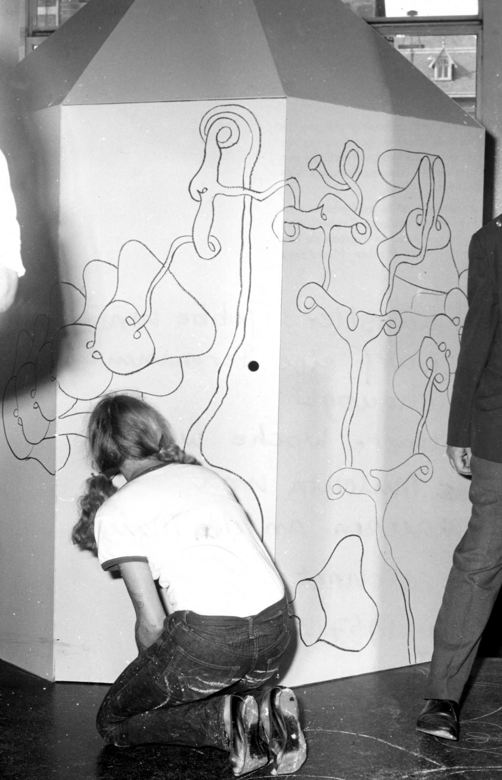 Tjebbe van Tijen, Continuous Drawing, 1967. Photo: Stedelijk Museum Amsterdam