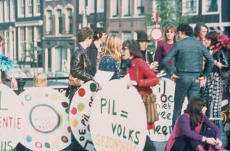 Pilactie door Dolle Mina. Amsterdam, 10 okt. 1970 © Jan Timmer. Collectie IAV - Atria, kennisinstituut voor emancipatie en vrouwengeschiedenis