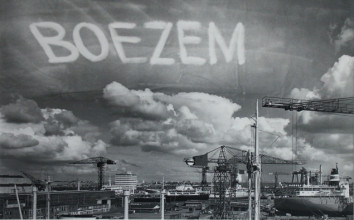 Marinus Boezem, Signing the Sky above the port of Amsterdam by an Aeroplane, 1969, courtesy the artist.