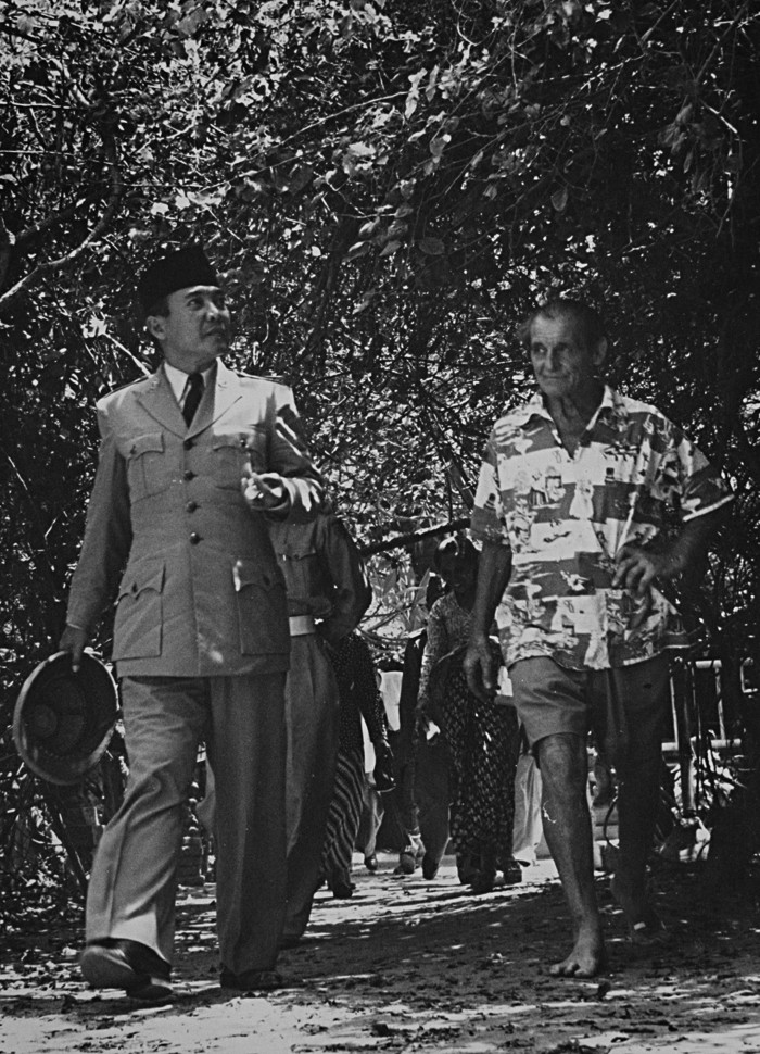 Sukarno and Le Mayeur in Sanur Bali