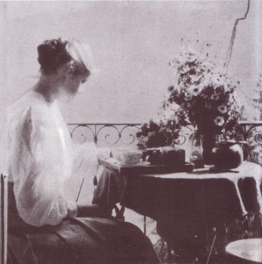 Bé de Waard, 1909-1911, photo from the estate of her fiancé Leó Popper,  MTA Lukács Archívum, Budapest.