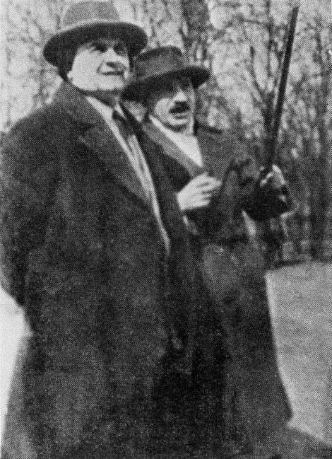 Fig. 6   Malevich and Tadeusz Peiper in front of the Bauhaus in Dessau, April 7, 1927.