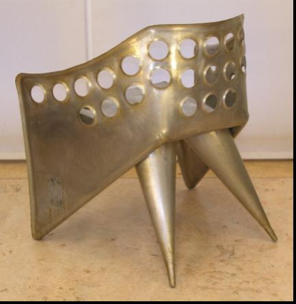 Fig. 4B. De 'zesde' aluminiumstoel in Galerie Van den Bruinhorst. Foto: Jurjen Creman