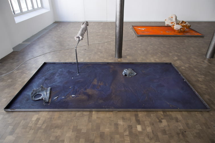 Isabelle Andriessen, Tidal Spill (series of 4), 2018, Ceramics, aluminum, metal, chemicals courtesy the artist