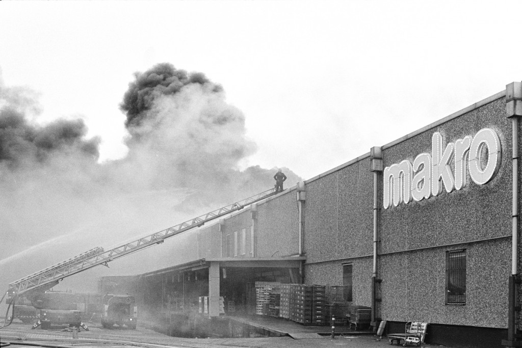 Makro, Duivendrecht, September 17, 1985. Photo: Bert Verhoeff. Source: digital scans of negatives donated by Bert Verhoeff, part of ARCH0404547, International Institute of Social History.