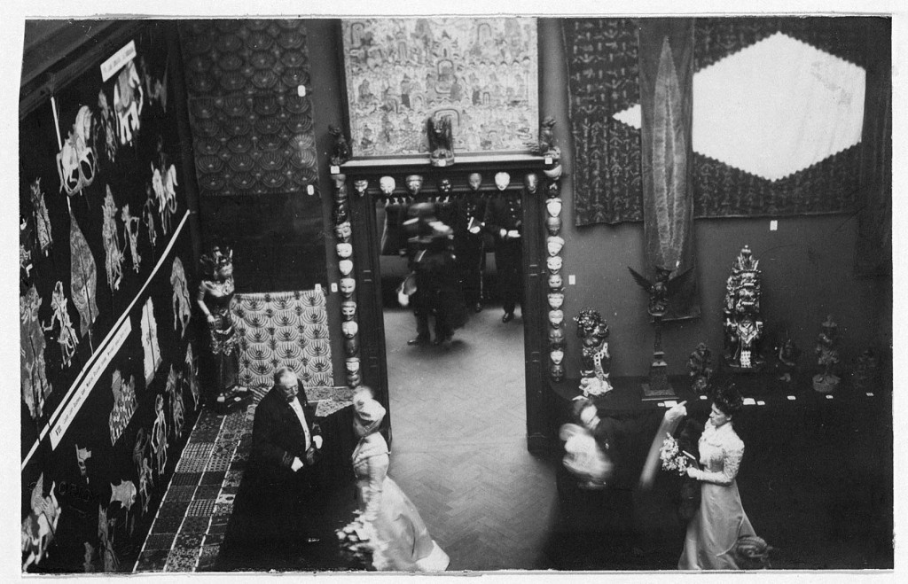 Exhibition of Asian Art at the Stedelijk Museum Amsterdam, 1901. Archive Stedelijk Museum Amsterdam.