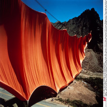 19. Christo and Jeanne-Claude, Valley Curtain, Rifle, Colorado (1970-1972). Photography ©Harry Shunk 1972 ©Wolfgang Volz