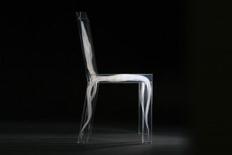 16. Studio Drift, Ghost Chair uit de Ghost Collection (2008), plexiglas, sub surface laser engraving