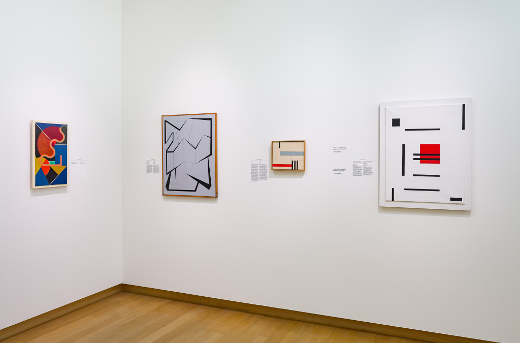 From left to right, works by Nicolaas Warb (Fine Warburg, 2 x), Sedje Hémon and Marlow Moss. Photo: Peter Tijhuis.