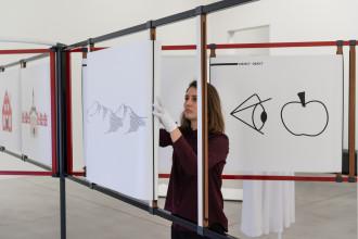 Falke Pisano, Wonder-what-time-it-is, 2017. Performance/installation, Playground Festival 2017, Museum M, courtesy of Ellen de Bruijne Projects, Hollybush Gardens and the artist, © Robin Zenner