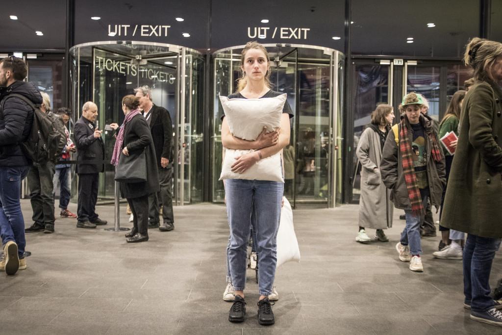 Stage-it! performances, photo: Menno van Winden