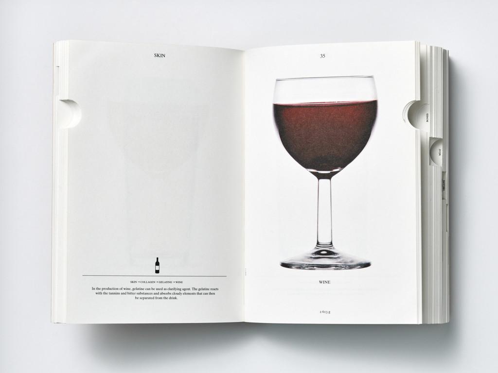 Pagina uit het boek PIG 05049 by Christien Meindertsma, special credits Julie Joliat (graphic designer)