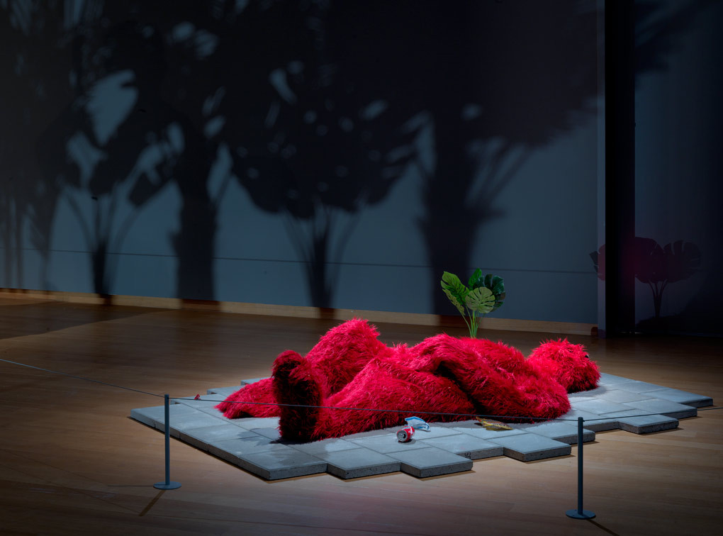 Zaalopname Stefan Tcherepnin: The Mad Masters, 2018, Stedelijk Museum Amsterdam. Foto: Gert Jan van Rooij