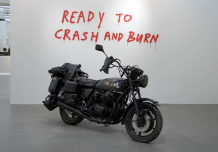 Marc Bijl, Suicide Machine, 2003, mixed media, collection Stedelijk Museum Amsterdam. Acquired with the generous support of the Mondriaan Fund, 2004.