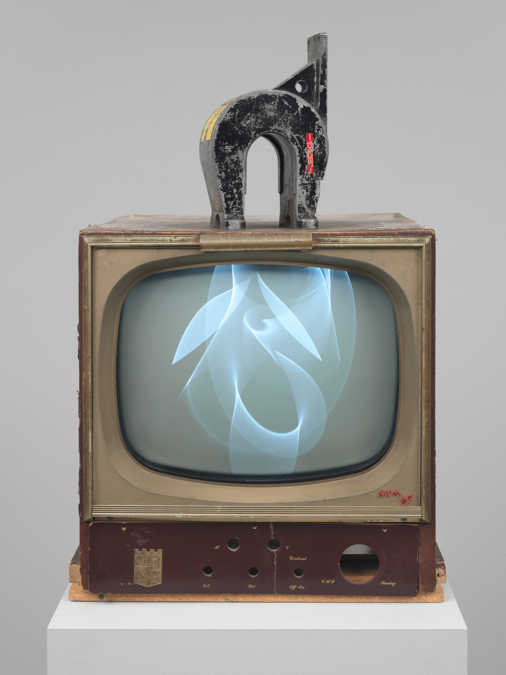 Nam June Paik, Magnet TV, 1965, Whitney Museum of American Art, New York, Purchase, with funds from Dieter Rosenkranz, 86.60 a-b. © The Estate of Nam June Paik