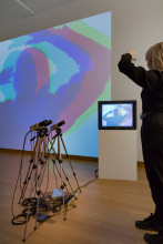 Nam June Paik, Three Camera Participation / Participation TV, 1969 / 2001. Kunsthalle Bremen – Der Kunstverein in Bremen. Foto: Peter Tijhuis