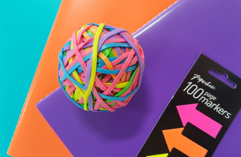rubber band ball with colourful elsatic