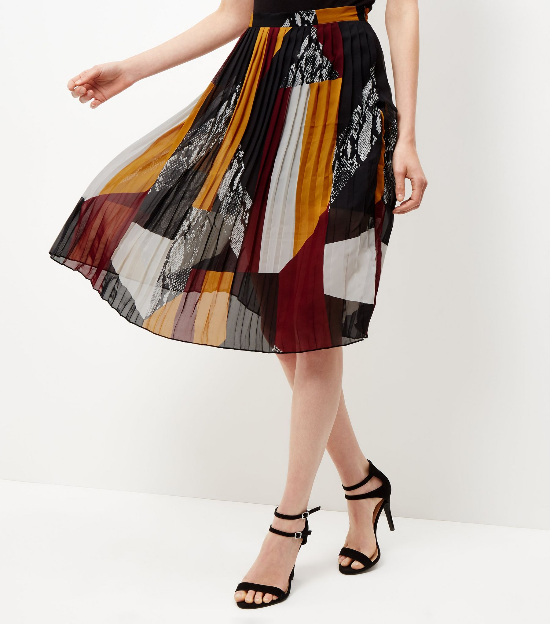 pleated skirt patchwork