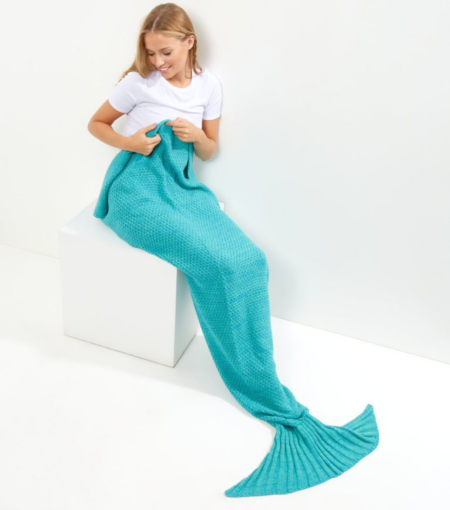 gifts for women: mermaid blanket