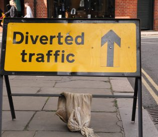 Diverted traffic sign for streetworks - NRSWA, CITB and IOSH courses in Northampton.