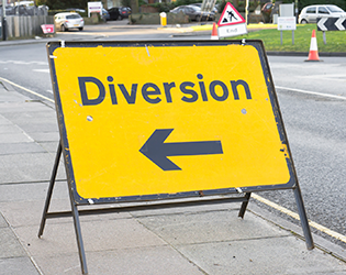 NRSWA Courses in Northern Irelans - Yellow diversion sign, road works