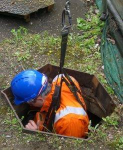 nationwide confined space training, delegate lowered into confined space