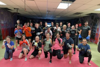Firstly, a big-up to all the new starts who finished the six-week course in style tonight Tuesday 20th July. The class were put through a tough basic pad session with the help of some ProKick senior members under the direction of head coach #BillyMurray