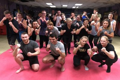 This was the eighteenth new 6-week course to start at the #ProKickGym this year.  Belfast Monday 18th November #ProKickGym #Belfast - another packed new 6-week beginner' course kicked off at 8:15 pm.