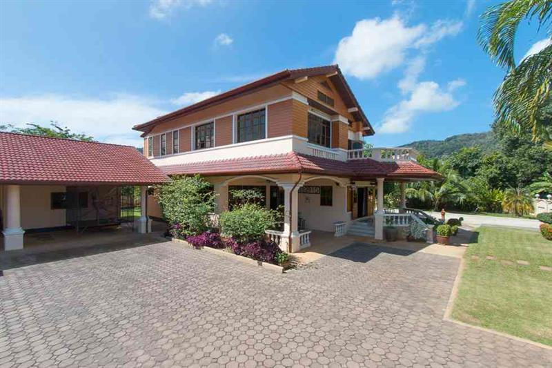 5 bedroom Villa For Sale in Thailand, Chalong, Phuket