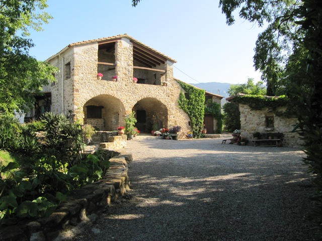 4 bedroom Country House For Sale in Spain, Besalú, Girona
