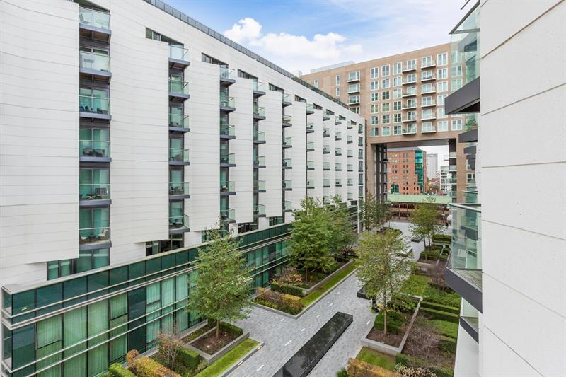 Apartment For Sale in Baltimore Wharf, CrossHarbour, London E14