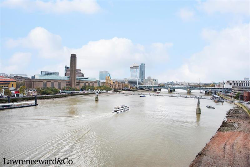 2 bedroom Apartment For Sale in Globe View 10 High Timber Street, London