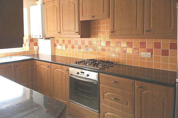 2 bedroom Flat For Rent in The Farmlands, Northolt