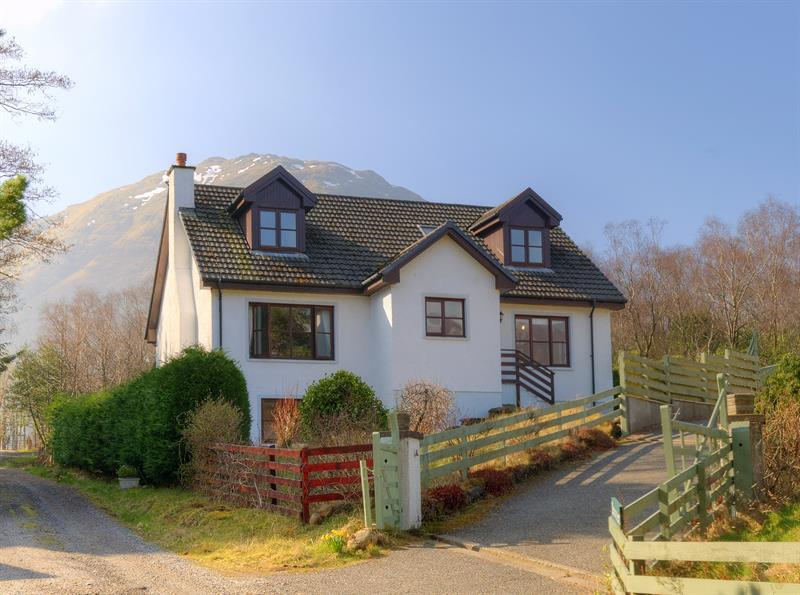 4 bedroom Detached House For Sale in Levenside, South Ballachulish