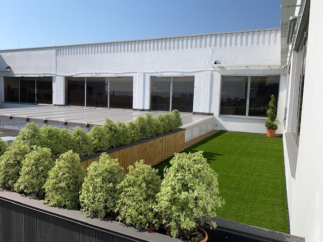 https://s3-eu-west-1.amazonaws.com/propertylab/LRP/property-images/developments/standard/13_Roof Terrace (4).jpg