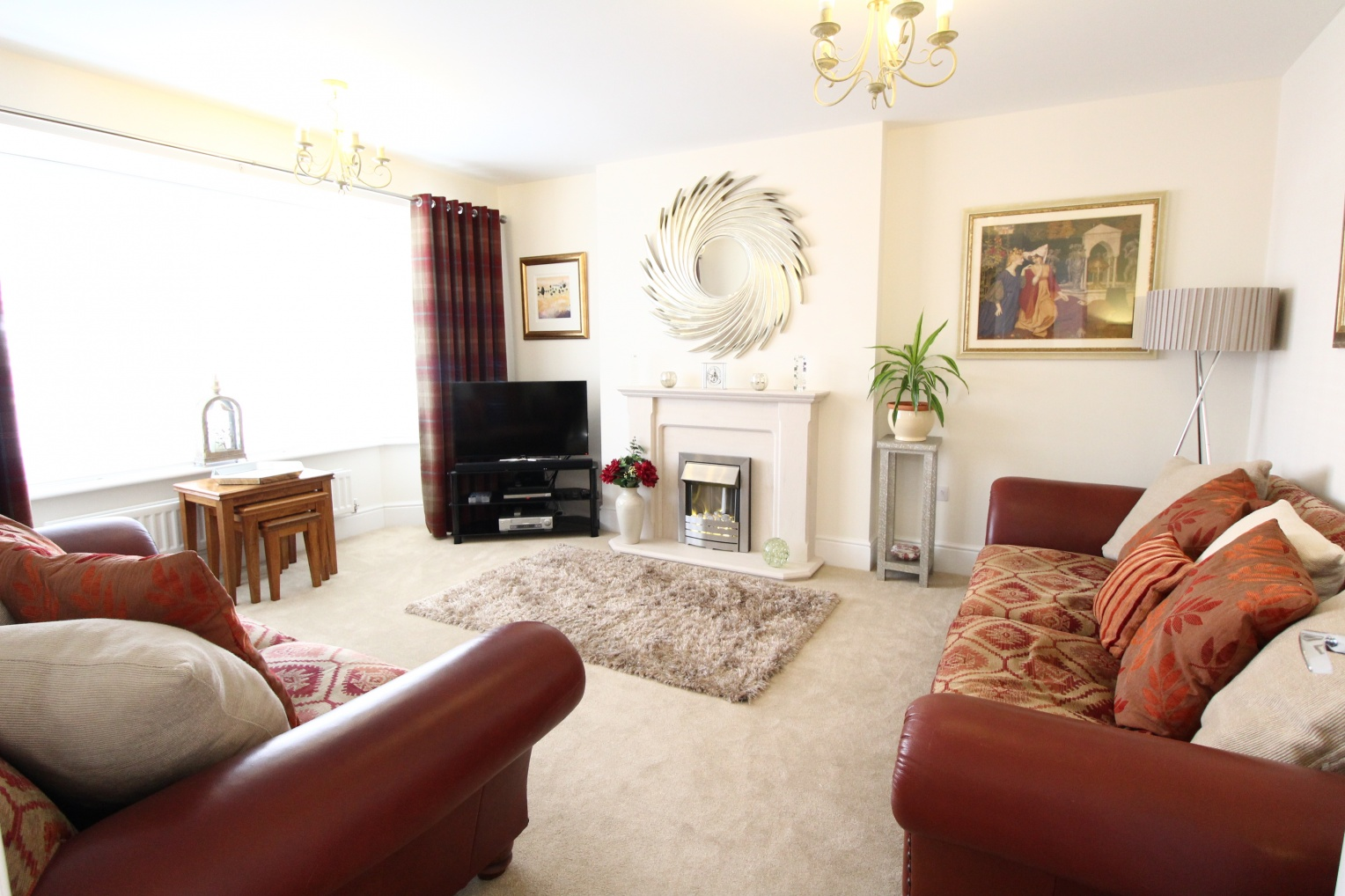 Spacious 5 bed detached house