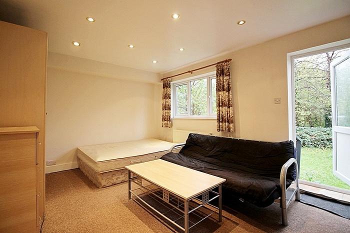 Studio Bills Included,  Hounslow East