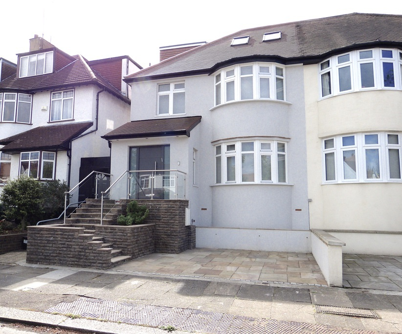 HILLCREST AVENUE, TEMPLE FORTUNE, London, NW11