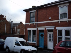 Lyndhust Street is located off Normanton Road, close to an excellent range of shops and other facilities, and also within comfortable distance of the City centre.  The property is a traditionally constructed end terraced house which has been in the same f