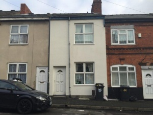 A superb investment property comprising a traditional mid-terraced property with two bedrooms, currently let on an assured shorthold tenancy at £5,220 per annum.
