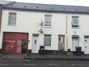 A traditional mid-terraced property currently let on an assured shorthold tenancy at £4,800 p.a., situated within easy reach of a full range of local amenities.