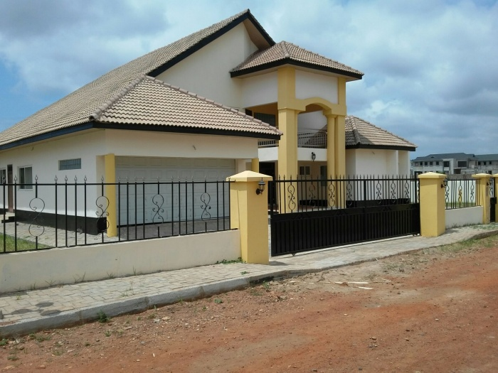 East Airport 4 Bed Gated,