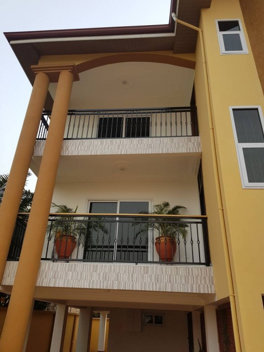 East Legon 2 Bedroom Apartment/office,