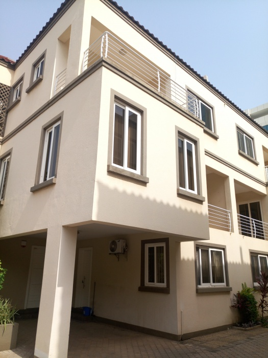 3 Bed Pent Apt,  Ridge,  Accra