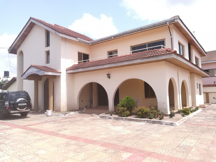 East Legon 5 Bedroom House With 2 Bedroom Quest Wing,