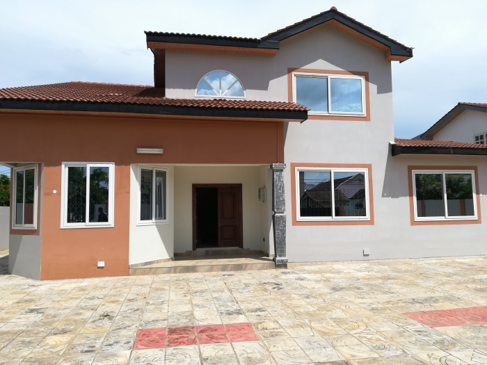 5 Bed House,  Adjiringanor ,