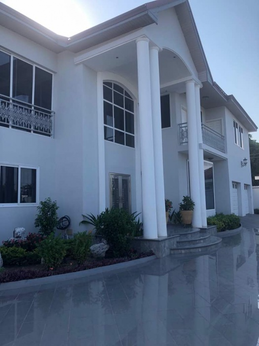 Airport Hills 5 Bedroom House ,