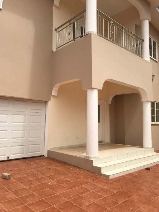 Spintex 5 Bedroom House Plus 2 Bed Boys Quarters,