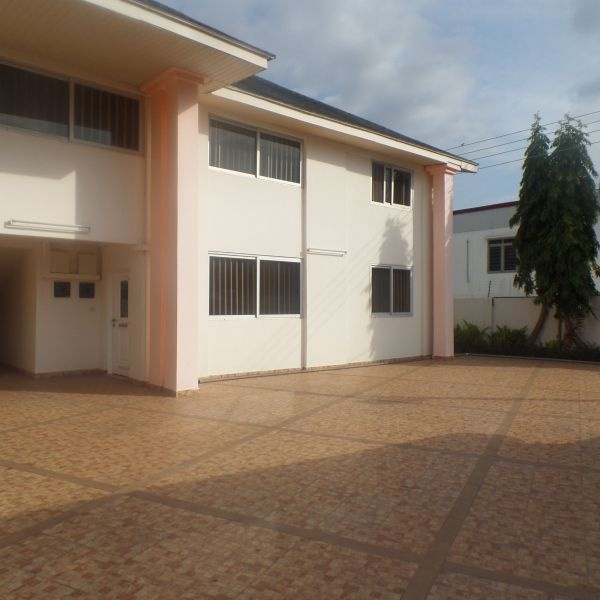 3 Bed Apartment,  Dzorwulu ,